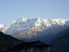 Les montagnes vu de Dharapani au levé du soleil